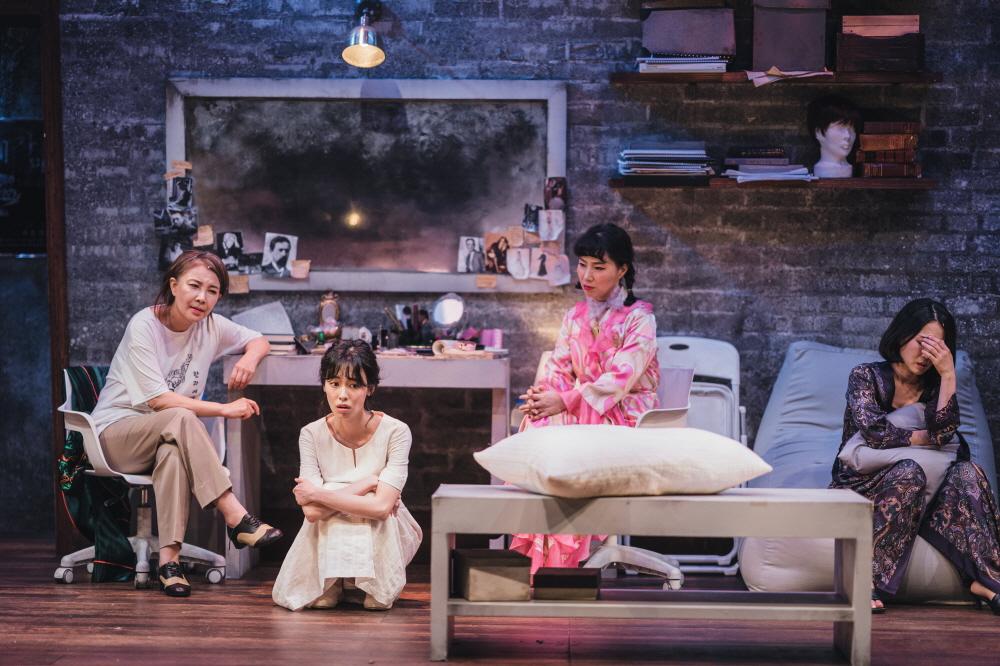 연극 [분장실] 공연사진 / 정재은 지우 황영희 손지윤 (사진제공=T2N미디어)